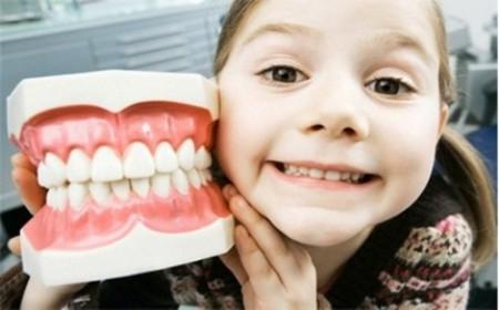 chuẩn bị tâm lý trẻ khi niềng răng