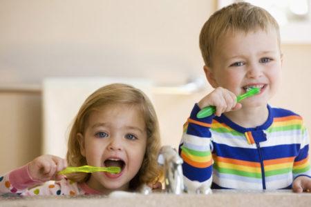kinh nghiệm chăm sóc răng miệng cho trẻ nhỏ