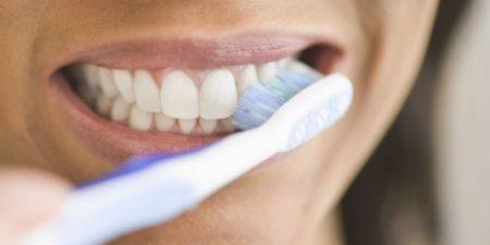hàm răng trắng sáng nhờ cách của chuyên gia