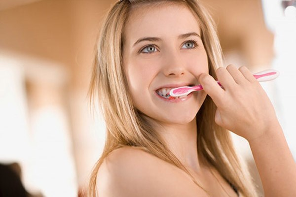 nguy cơ bị nấm miệng khi niềng răng