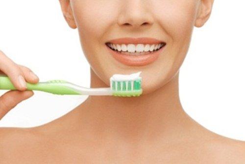 Phương pháp bọc răng sứ titan thẩm mỹ 2