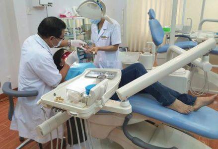 Răng đổi màu và cách điều trị