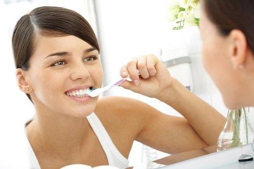Tẩy trắng răng thẩm mỹ giúp răng đẹp tự nhiên 3