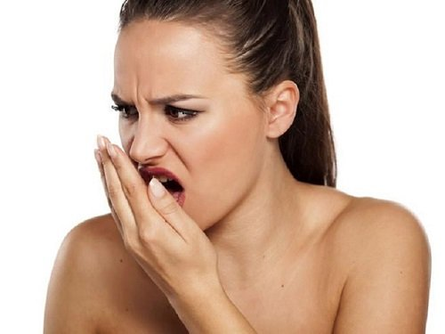Trồng răng sứ có bị hôi miệng không? Cách chăm sóc răng đúng cách 1
